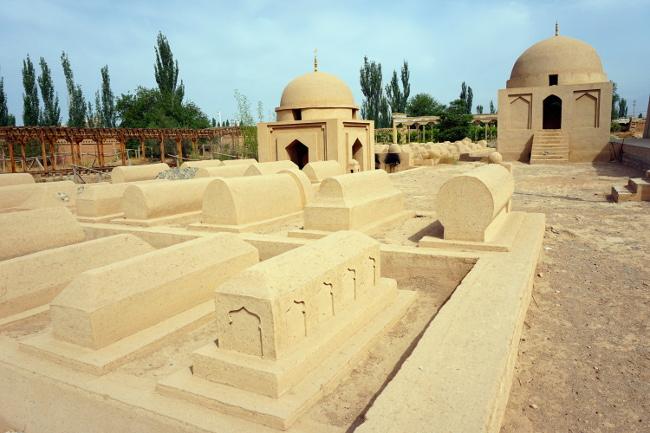 ermin minaret turpan chine xinjiang tomb